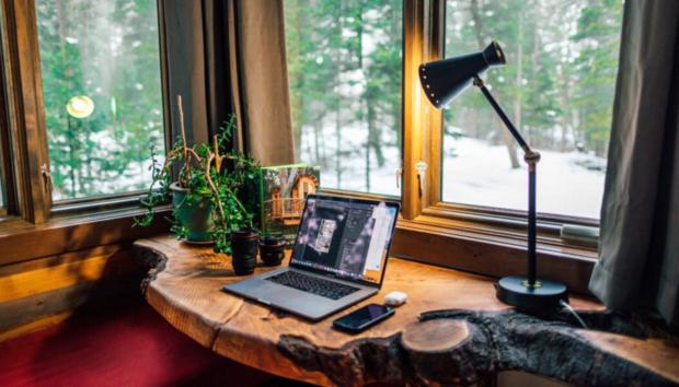 Wοrk From Home -Το Έξυπνο Hack που θα Αυξήσει την Παραγωγικότητά σας και θα Μειώσει το Στρες