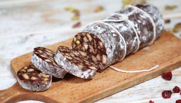 Σοκολατένιο Σαλάμι με Μπισκότα από την Αργυρώ Μπαρμπαρίγου