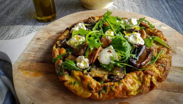 Φριτάτα με Μανιτάρια, Ρόκα και Φρέσκο Τυρί Κρέμα -Η Συνταγή που μας Ταξιδεύει στην Ιταλία