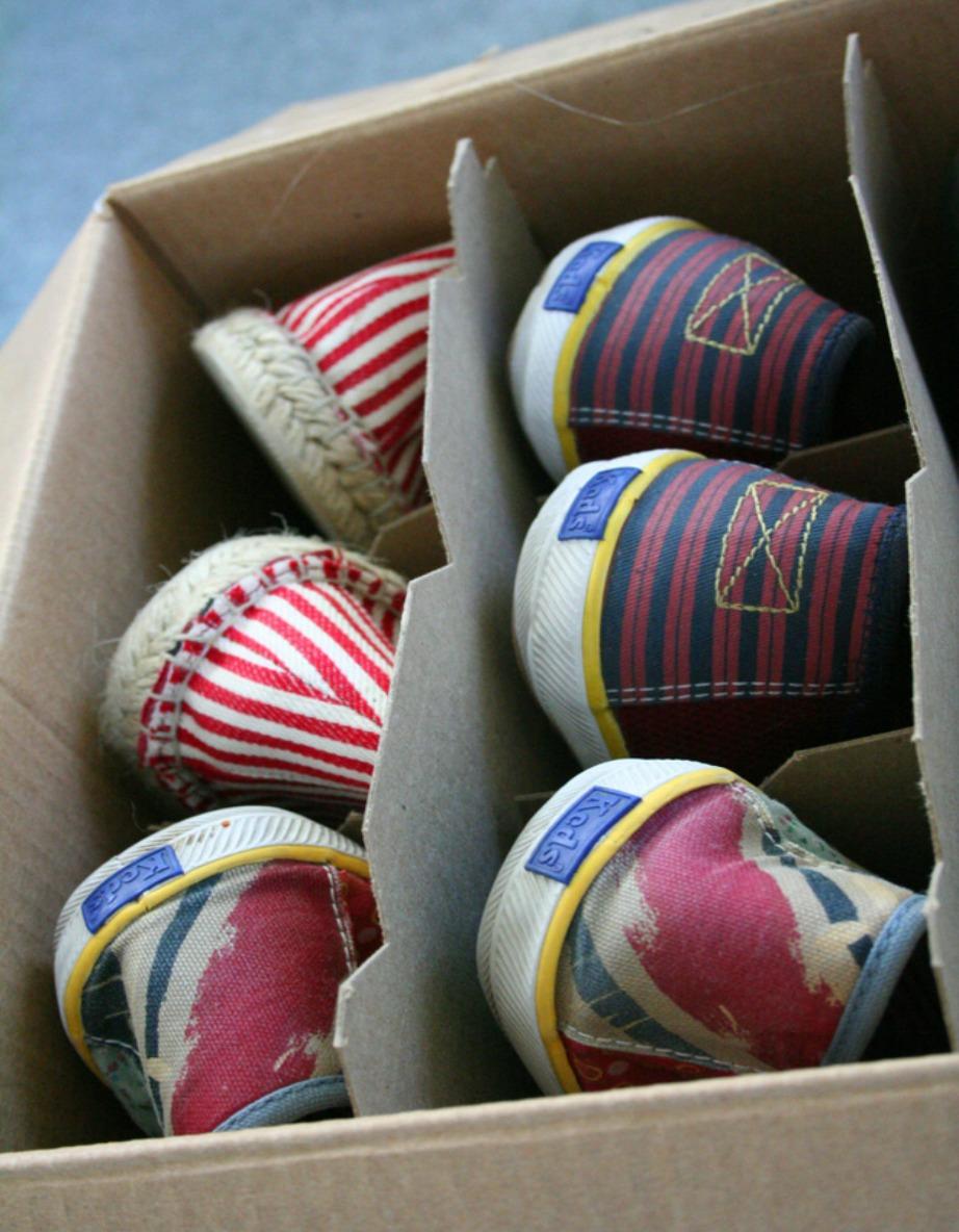 Αποθηκεύστε τα παπούτσια σας σε κουτί από κρασί, μιας και είναι διαχωρισμένο ήδη.