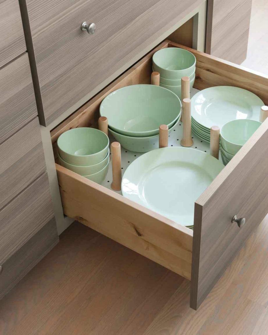Χρησιμοποιήστε πασσάλους για να φτιάξετε διαχωριστικά για τα πιάτα σας.
