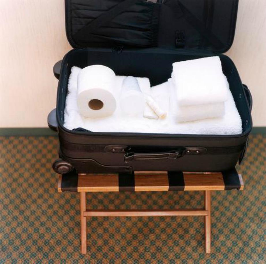 Δεν επιτρέπεται να πάρετε μαζί σας ό,τι σας παρείχε το ξενοδοχείο.