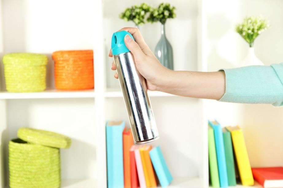 Φτιάξτε τα δικά σας αποσμητικά χώρου χωρίς χημικές ουσίες.