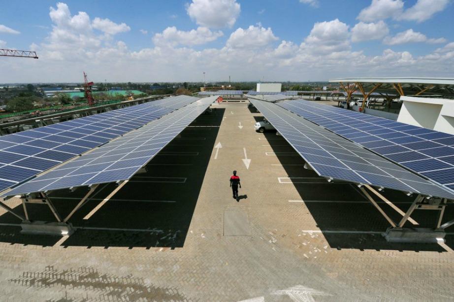 Τα φωτοβολταϊκά πάνελς προσφέρουν εξοικονόμηση ενέργειες και προστασία του περιβάλλοντος, αξιοποιώντας το ανεξάντλητο ηλιακό δυναμικό.