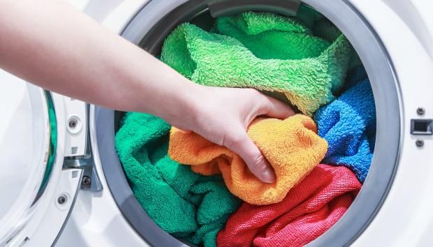 Έτσι θα Πλύνετε Σωστά τα Καλοκαιρινά Ρούχα στο Πλυντήριο!