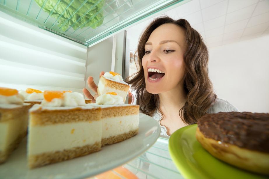 Τέρμα στην πολυφαγία των εορτών και στα νυχτοπερπατήματα στο ψυγείο.