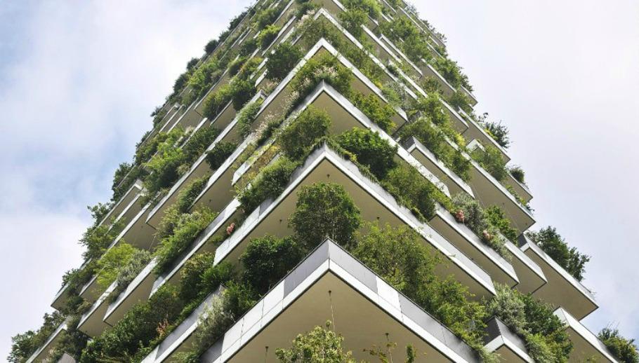 Περισσότερα από 800 δέντρα έχουν φυτευτεί στα δυο αυτά κτίρια με σκοπό να γίνουν παράδειγμα «πράσινης» αρχιτεκτονικής.