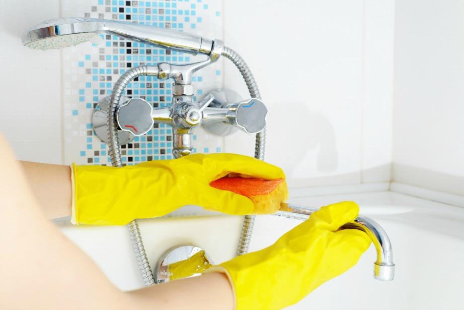 Η μπανιέρα ανήκει στα δύσκολα σημεία καθαριότητας του σπιτιού.