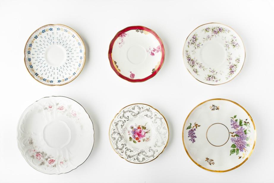 Τα πιάτα της γιαγιάς αποτελούν κειμήλιο και ξυπνούν όμορφες αναμνήσεις από το παρελθόν.