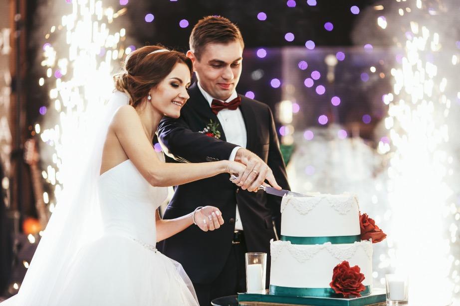 Όσο μεγαλύτερα τα έξοδα του γάμου, τόσο μεγαλύτερες είναι και οι πιθανότητες να χωρίσετε.