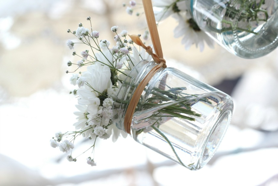 thehomeissue_(hangingjars)01