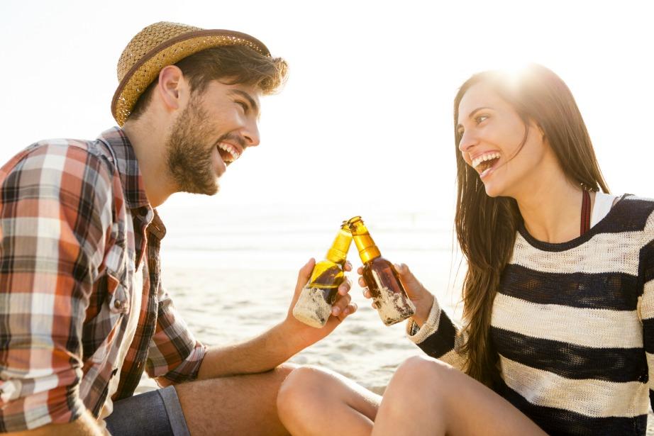 Αν πίνετε το ίδιο ποτό με τον σύντροφό σας σημαίνει οτι είστε ένα ευτυχισμένο ζευγάρι.
