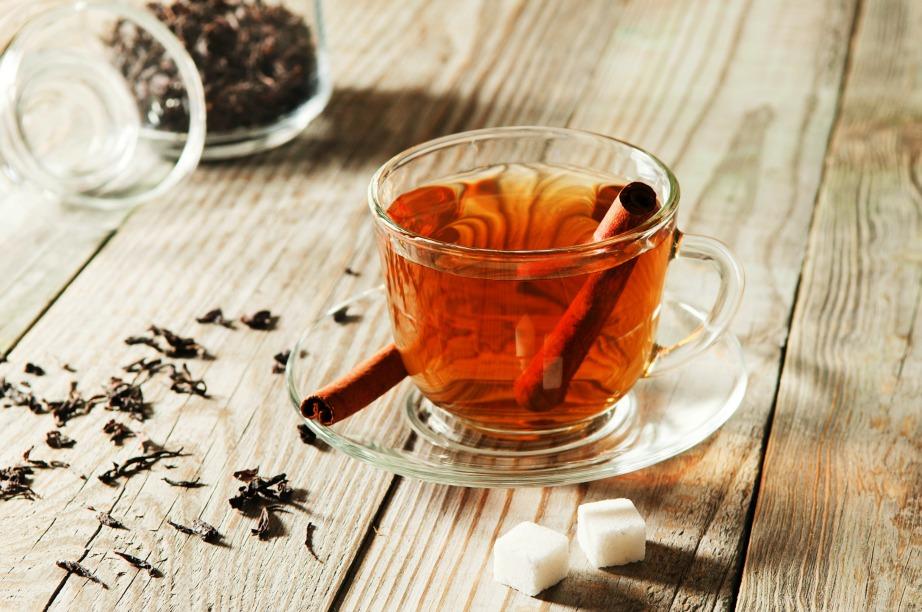 Πιείτε ένα τσάι κανέλας πριν το γεύμα για ομαλότερη πέψη και διάλυση λίπους.