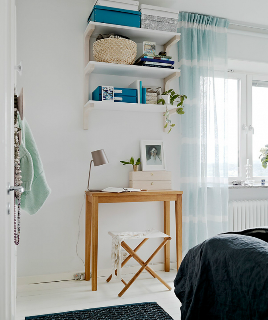 Μετατρέψτε σε αποθηκευτικό χώρο τον τοίχο πάνω από ένα έπιπλο.