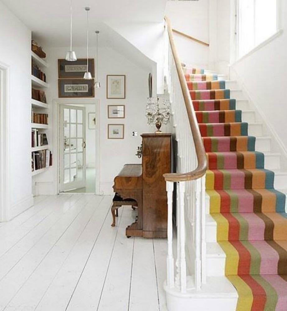 Ντύστε τα σκαλοπάτια σας με χαλί ή μοκέτα.