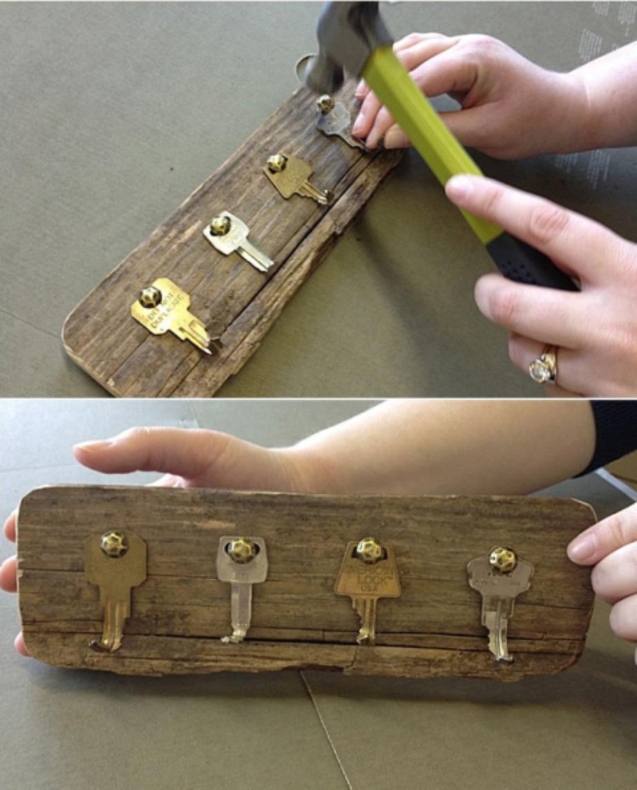Με ξύλινο φόντο σε συνδυασμό με τα χρυσά κλειδιά θα δώσουν ένα μοναδικό vintage χαρακτήρα.