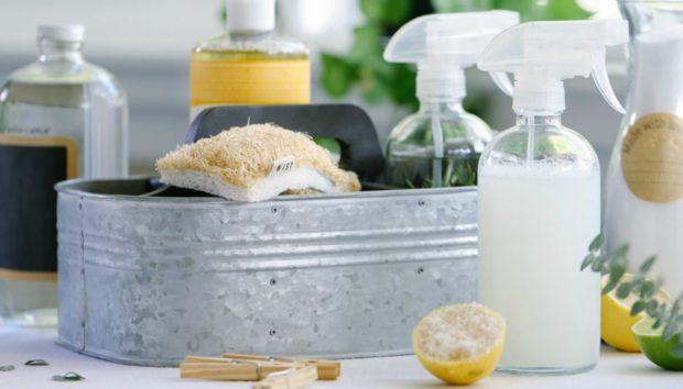 Φτιάξτε Μόνοι σας Φυσικά Καθαριστικά που θα Κάνουν το Σπίτι σας να Γυαλίζει!
