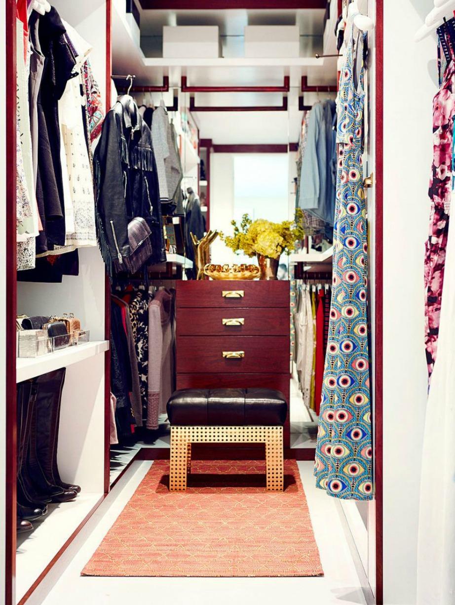 Η ντουλάπα της Jaime King μοιάζει με δοκιμαστήριο καταστήματος ρούχων.