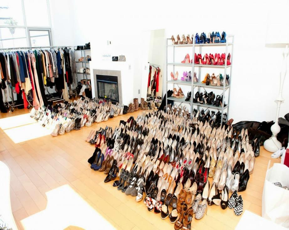 Αυτή κι αν είναι συλλογή από παπούτσια!