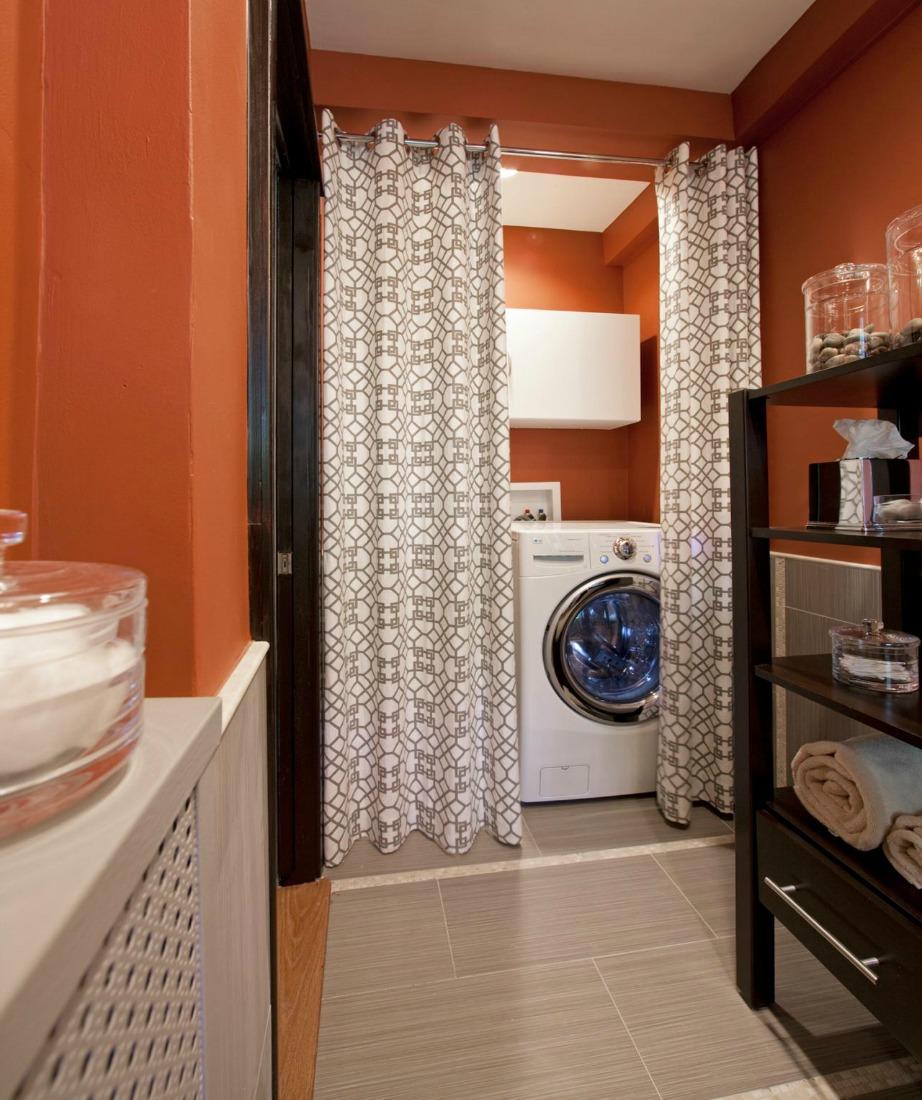 Μετατρέψτε μια γωνιά του μπάνιου σε αποθηκευτικό χώρο.