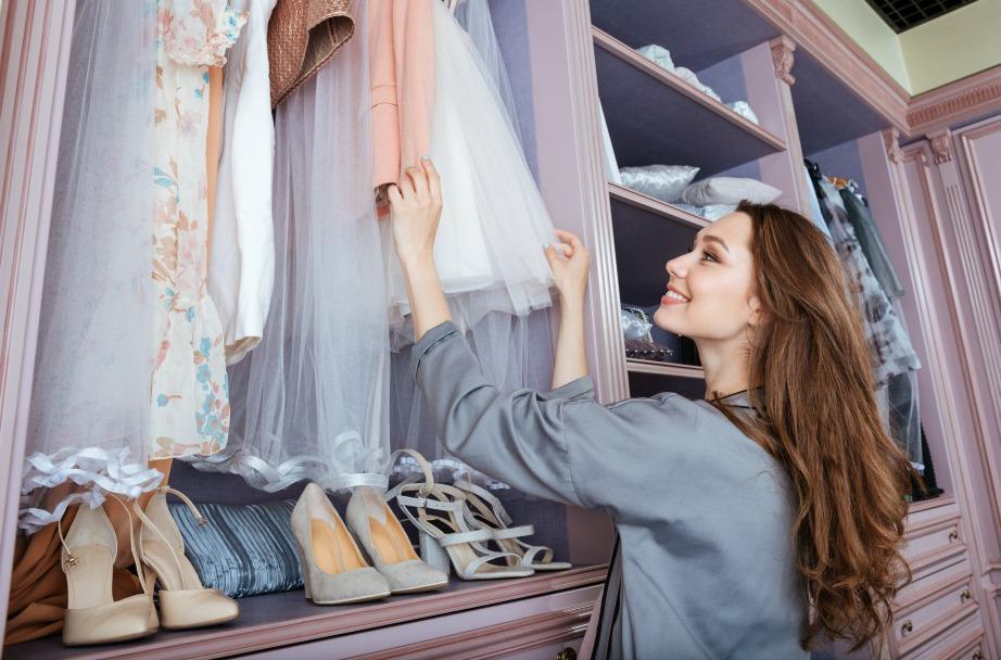 Μία γυναίκα ξοδεύει κατά μέσο όρο 17 λεπτά ημερησίως για να βρει τι θα φορέσει.