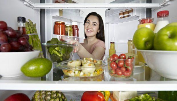 10 Περίεργα Αντικείμενα που Πρέπει να Βάζετε στο Ψυγείο σας!