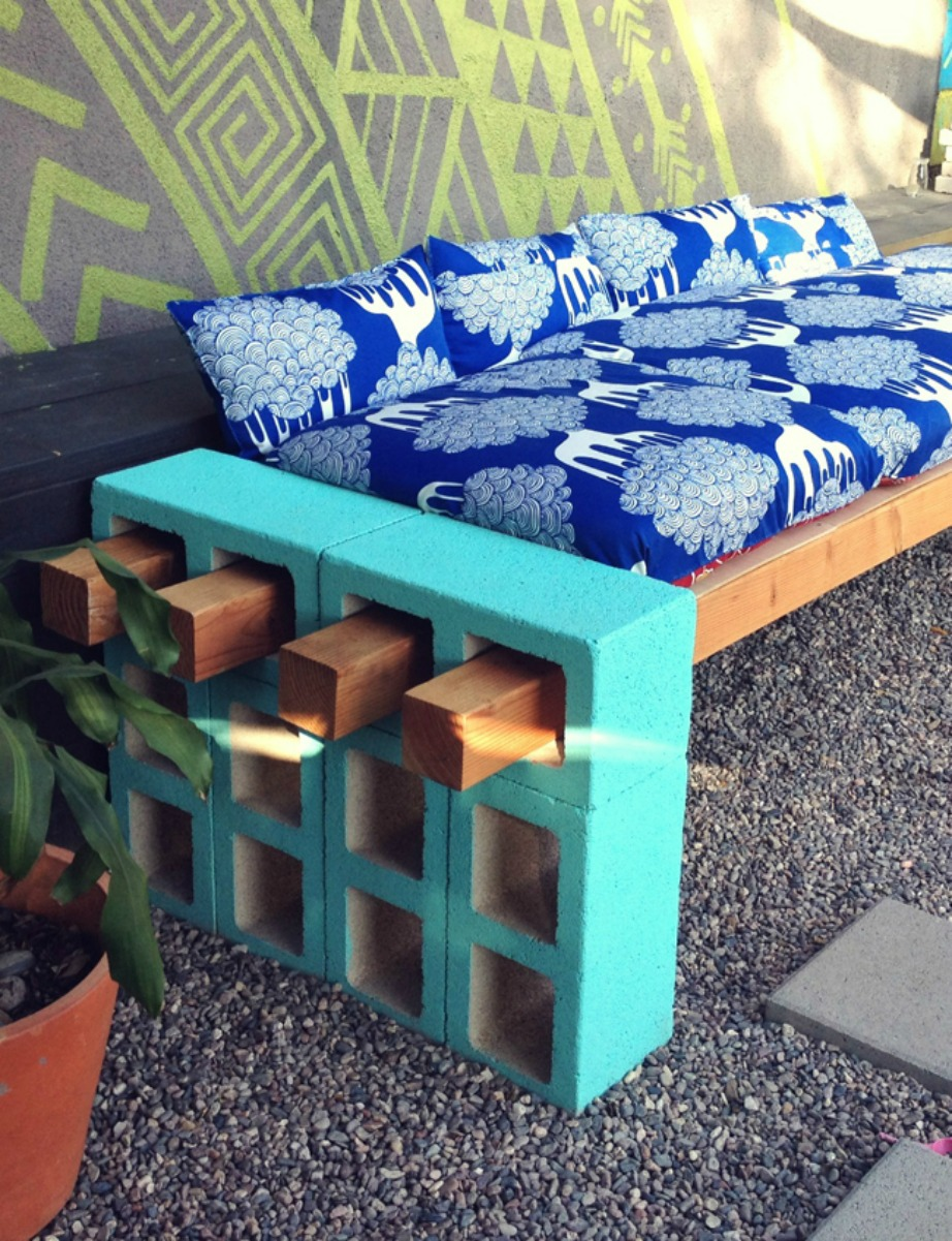 thehomeissue_bench03