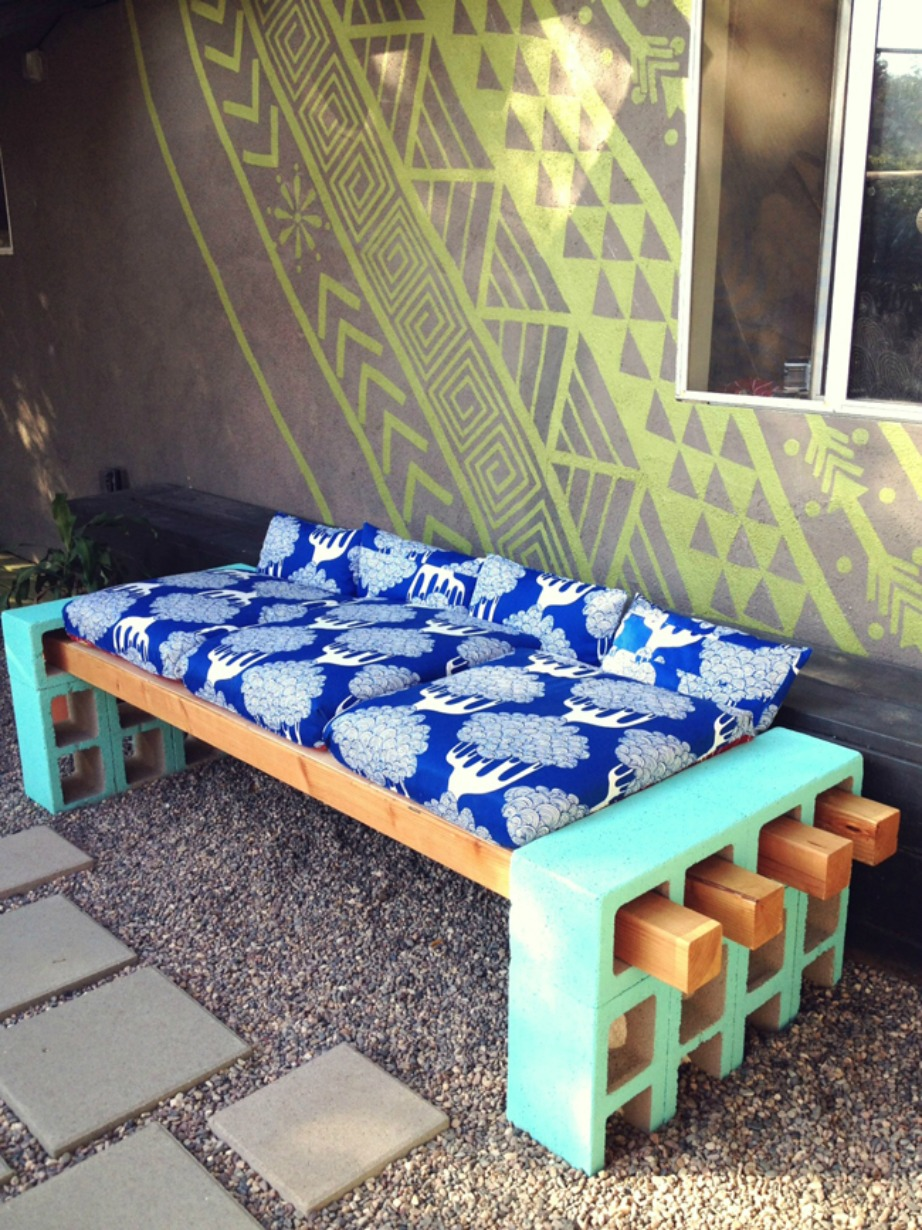 thehomeissue_bench05