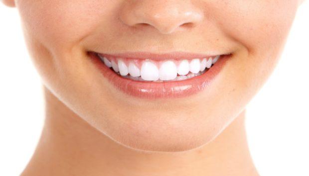 Λευκότερα Δόντια με 3 Διαφορετικούς Τρόπους