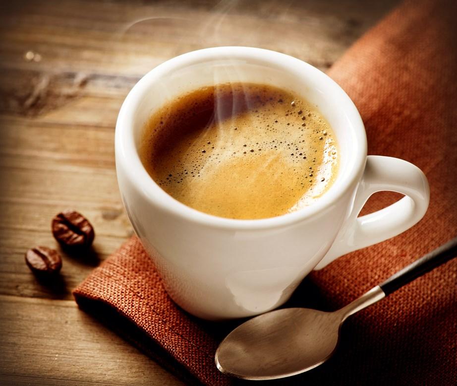Ο καφές μπορεί να σας αφυδατώσει και να επηρεάσει την ποιότητα του ύπνου.