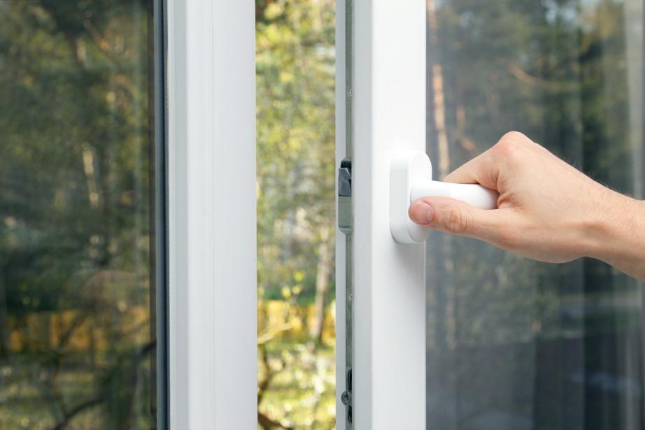 Ακόμα και τους χειμερινούς μήνες επιβάλλεται να αερίζετε το σπίτι σας.