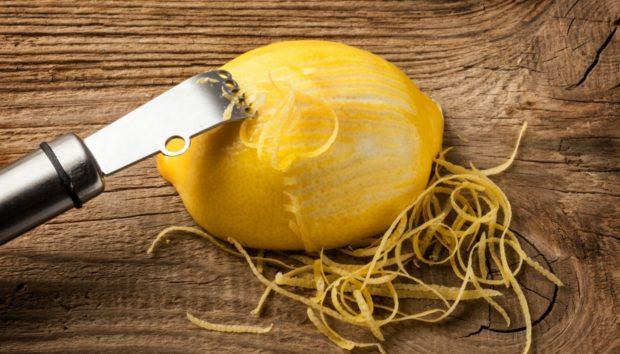 5 Ενδιαφέροντα Πράγματα που Μπορείτε να Κάνετε με την Φλούδα από Ένα Λεμόνι