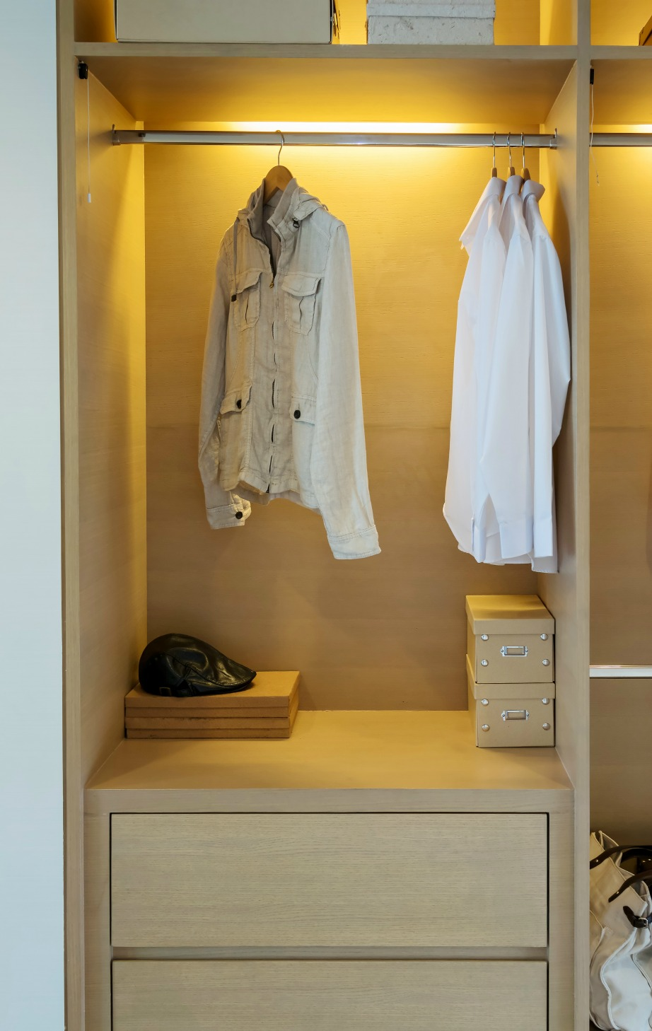 Για να βρίσκετε τα αγαπημένα σας ρούχα και μέσα στο σκοτάδι