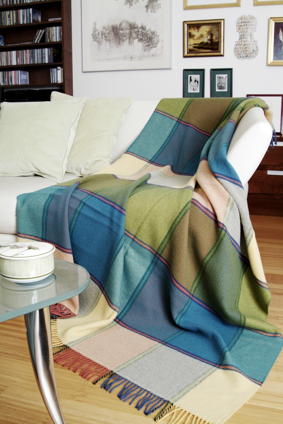 Τα ριχτάρια, τα μαξιλάρια και οι κουρτίνες υποδέχονται με τον καλύτερο τρόπο το φθινόπωρο.
