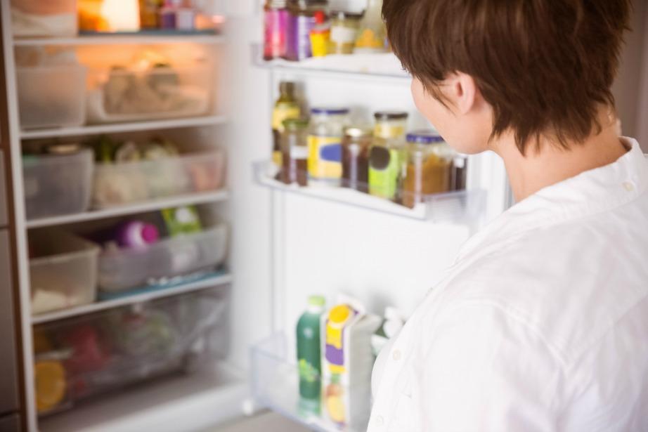 Το λάστιχο της πόρτας του ψυγείου σας είναι μια εύκολη και οικονομική αλλαγή.