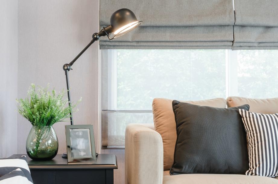 Αν και τα πλαϊνά τραπεζάκια καναπέ είναι τελευταία τάση στη διακόσμηση θα τα αποχωριστείτε με βαριά καρδιά αν ο χώρος σας είναι περιορισμένος.