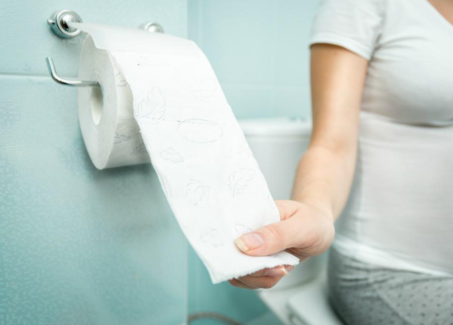 Τα αποθέματα χαρτιού σε εμφανές σημείο θα διευκολύνουν πολύ τους καλεσμένους σας και δε θα τους φέρουν σε δύσκολη θέση.