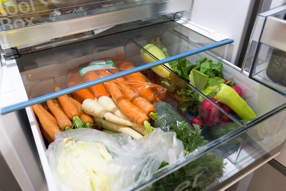 Μην αφήνετε τα λαχανικά μέσα στις σακούλες τους, διότι χαλούν πιο εύκολα.