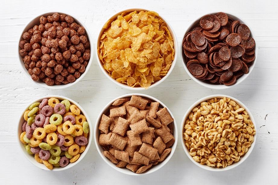 Υπάρχουν τροφές, όπως τα δημητριακά, πλούσιες σε αλάτι.