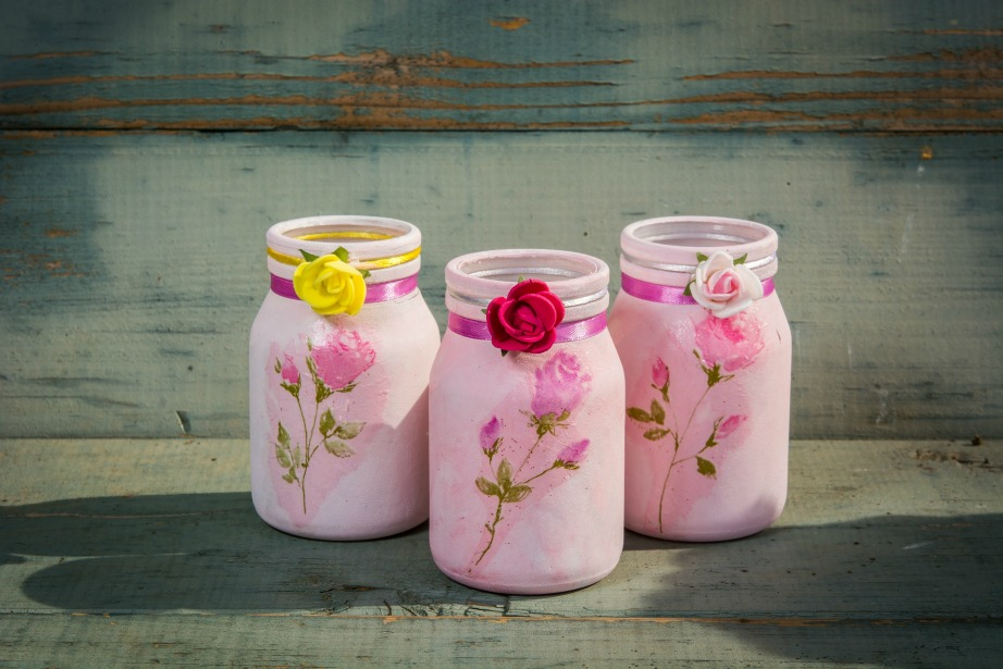 Μπορείτε να προσθέσετε κορδέλες ακόμα και χάρτινα λουλουδάκια του εμπορίου.