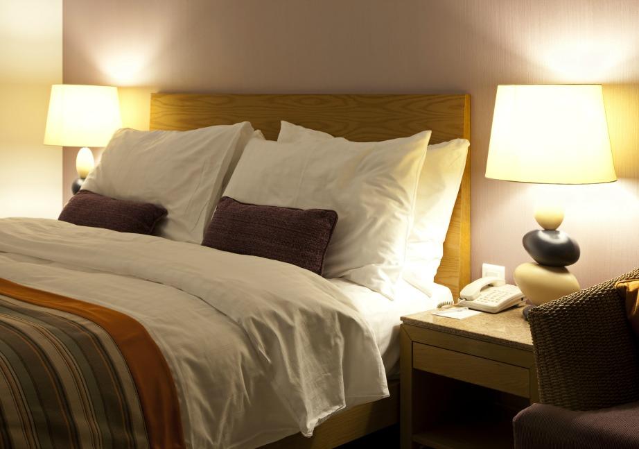 Αποφύγετε τον έντονο φωτισμό και ρυθμίστε χαμηλά την ένταση για το υπνοδωμάτιο.
