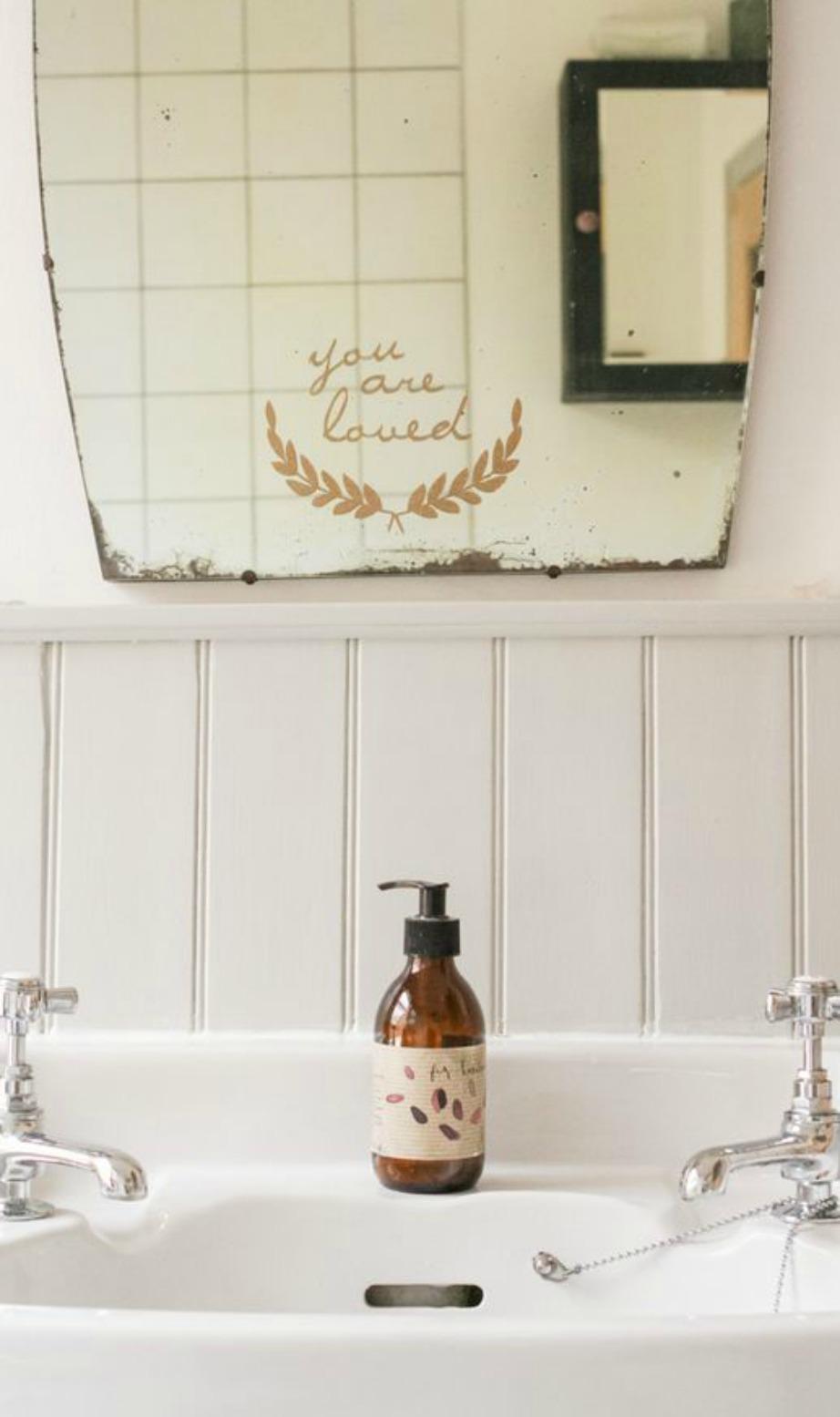 Ένας vintage καθρέφτης μπορεί να μεταμορφώσει τον χώρο σας.