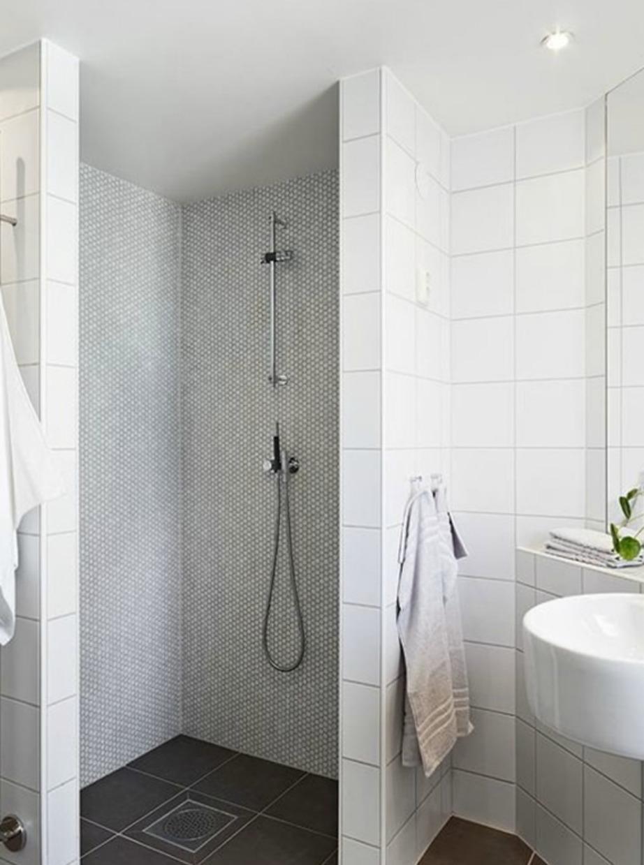 Οι ανοιχτές ντουζιέρες κάνουν το μπάνιο να φαίνεται πιο μεγάλο.