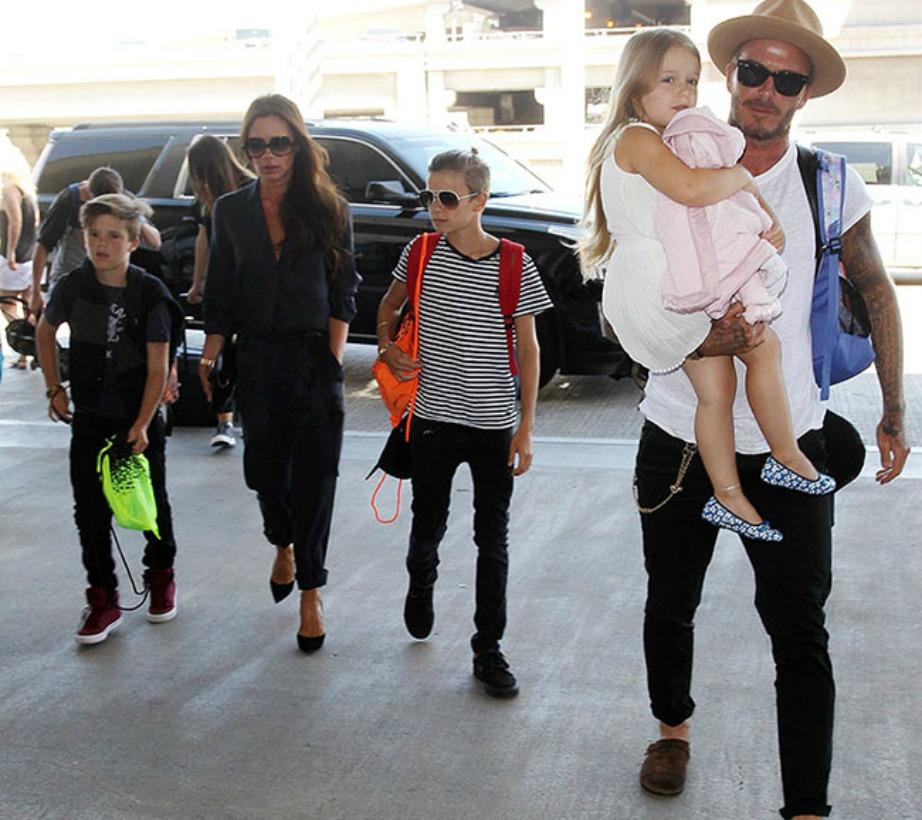 Η συγκεκριμένη φωτογραφία τραβήχτηκε πριν από 2 μήνες όταν η οικογένεια επέστρεψε στην Αγγλία μετά από διακοπές στο Los Angeles.