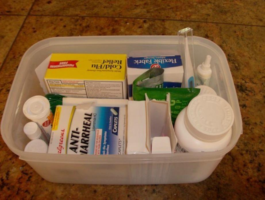 Οι Βρετανοί δεν συνηθίζουν να πετάνε τα παλιά τους φάρμακα, μια συνήθεια που είναι αρκετά επικίνδυνη.