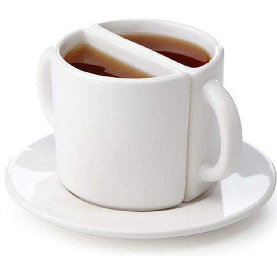 Αν μπορείτε να μοιραστείτε τον καφέ σας τότε αυτή η κούπα θα σας βολέψει πολύ.