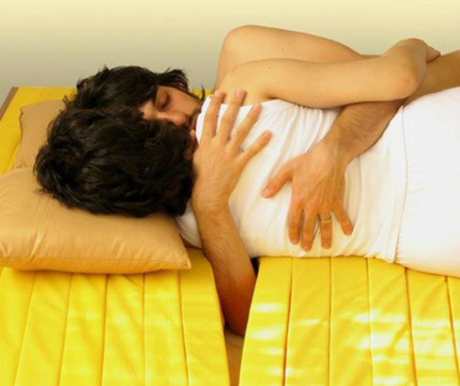 Με αυτό το στρώμα θα κοιμάστε όλο το βράδυ αγκαλιά.