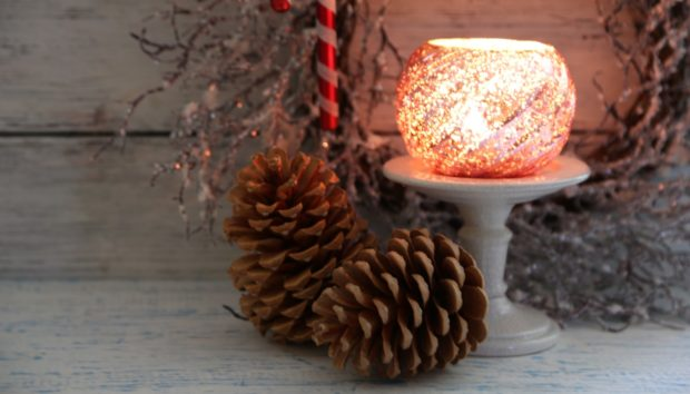 Φανταστικές ιδέες για να στολίσετε το μπάνιο σας για τα Χριστούγεννα