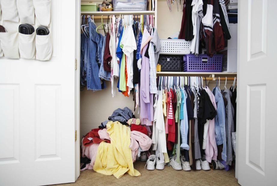Αν η ντουλάπα σας είναι κάπως έτσι θα έχετε νεύρα όλη την εβδομάδα.