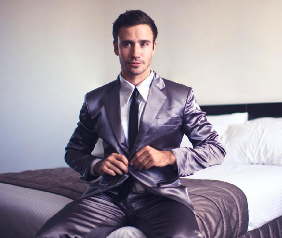 Οι πυτζάμες-κοστούμι είναι μια καλή επιλογή για αυτούς που αγαπάνε το καλό ντύσιμο.